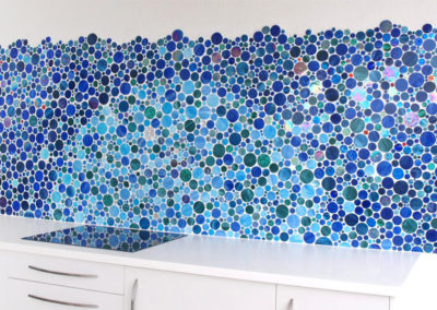 Outdoor-Backsplash-curved-wall